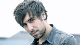 Max Giesinger - 80 Millionen EM Version Lyrics (2016) NEU (Music Review Video)