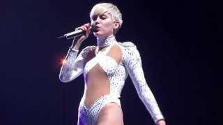 Miley Cyrus - Wrecking Ball live at the BOK Center - Tulsa OK 3/13
