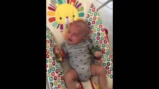 Como dormir a un bebe bebe se duerme con un secador de cabello