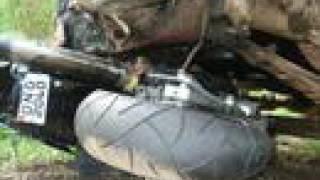 Acidente hornet 600 batendo de frente com caminhão Morungaba
