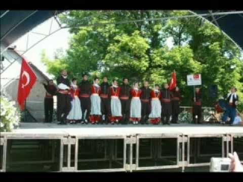 Bohem Slayt ( Boğaziçi Halk Oyunları Derneği - 2012 Yıl Sonu Gösterisinden )