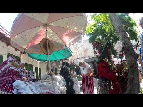 2012 07 06 Morocco   Anne de veiling herself