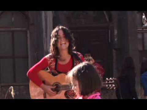camila-moreno-millones-videoclip-selloovejanegra
