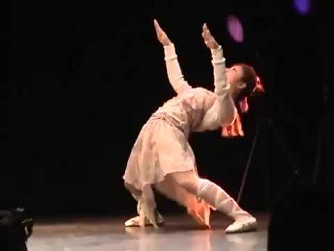 日本妹子的奇葩機械舞 - YouTube