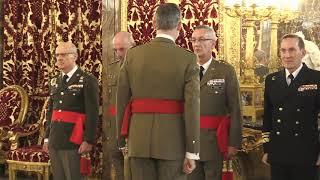 S.M. el Rey recibe en audiencia a un grupo de generales de división y vicealmirante