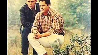 Leandro e Leonardo - Chuva De Lágrimas (1995)