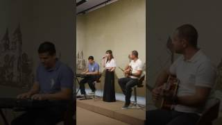 Gisele Arruda canta Calma aí de Monique Kessous