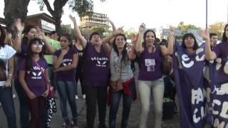 Fans cantando Madre Tierra de Chayanne