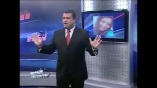 Val Santos desce o pau em um canal de televisão.