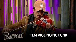 MC Livinho toca violino e surpreende plateia do programa