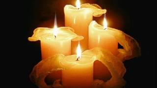 Az olaszországi busz-tragédia áldozatainak emlékére..