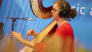 MNM: Herken jij alle songs uit de harpmedley van Julie Saerens?