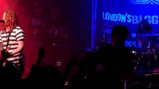 We The Kings - In the middle (Jimmy Eat World cover) - Scala, London 04.05.12