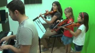 Maria Simoes Lara Schurmans Violino Prof Marta Oliveira Historia da Carochinha Tradicional Acomp Dio