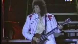 Queen - Report from TV France - pro shoots of Queen live in Paris '86