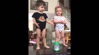 BBtwins Dance tabletop