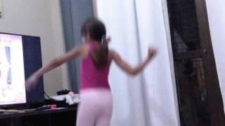 Dançando Aline  Barros Tim-Tim por Tim-Tim😂😂