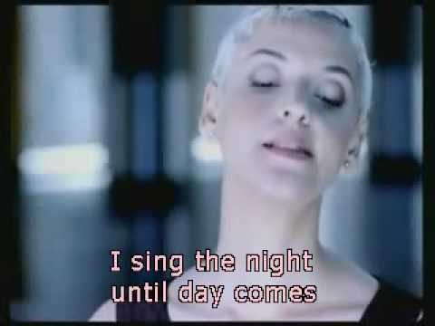 mariza-meu-fado-with-lyrics-in-english-marifda07