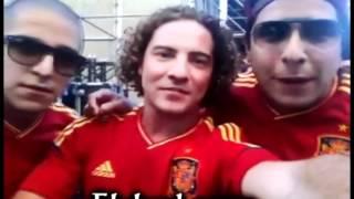 Cali & el Dandee con David Bisbal antes de salir al escenario con La Roja en Cibeles