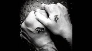 Anna Käsi Käteen  -MB-