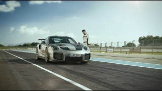 The 911 GT2 RS & Parkour founder David Belle - Two pioneers with the same character traits.