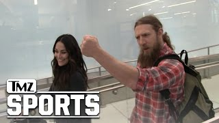 Daniel Bryan y Brie Bella capturados por las cámaras de TMZ