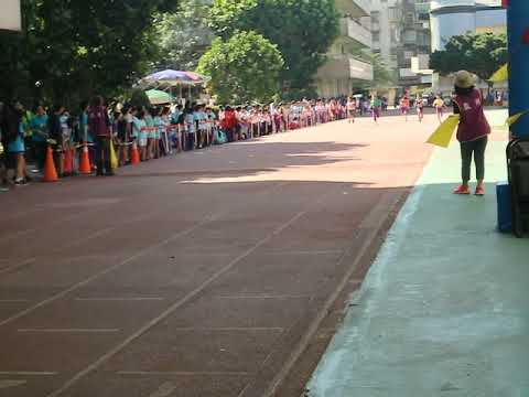 六年級男生100公尺 洪健智 - YouTube