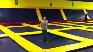 Crazy trampoline stuntz