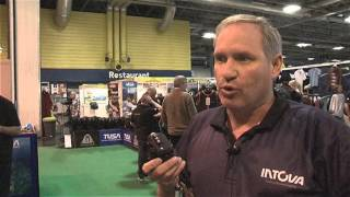 Exclusive Video: Scubaverse takes a look at Intova\'s EDGE X camera at DIVE 2014