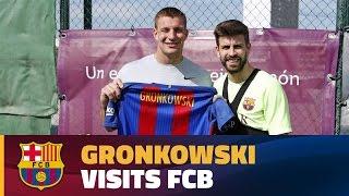 Rob Gronkowski sees Barça train and visits Camp Nou
