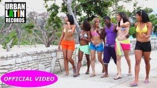 El Pequeno De La Salsa - Salsa Latina Tropical Aqui Na Mas (Feat. Los Faraones) (Official Video)