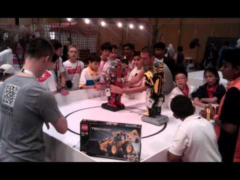 WRO 2011 Robot Boxing Ukraine vs. Malaysia.