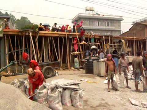 Nepal Pokhara – Men At Work