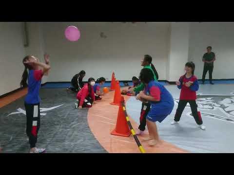 氣球排球好好玩之二 - YouTube