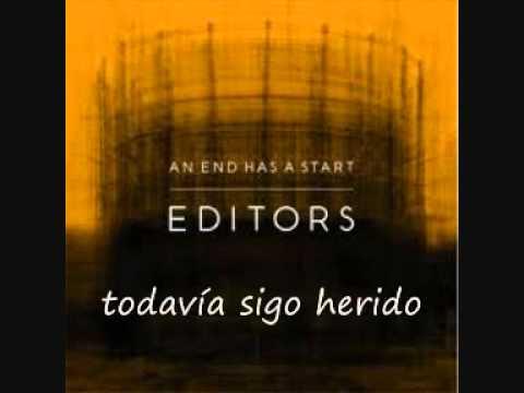 An End Has A Start En Espanol de Editors Letra y Video