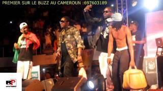 Maalhox Le Vibeur fait une suprise à MHD sur scène au Cameroun