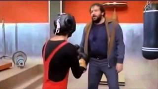 Y si no nos enfadamos (1974) - Pelea del Gimnasio