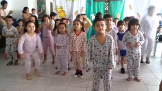 Coelhinho Pulo Pulo ( Apresentação escola Magia do Aprender)