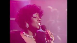 Gloria Gaynor - I Am What I Am (TOTP 1984)
