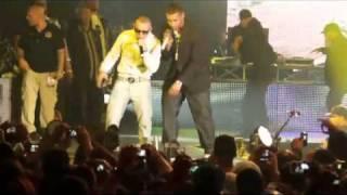Don Omar Ft Lucezo, Arcangel, Daddy Yankee -- Danza Kuduro (LIVE)