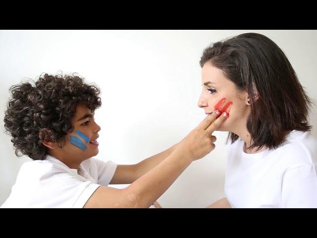 AECC - DANDO LA CARA POR TI | ANEU Voz: Aneu Actor:  Adrián Rehermann Souto 7 años Diagnosticado en 2016 de un sarcoma mieloide.  Producción de video: Ana Tenreiro