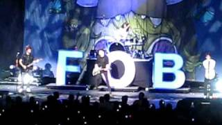 Fall Out Boy ft. Brendon Urie Jones Beach - Don't Stop Believin'