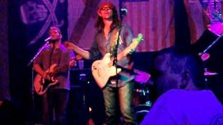 "Benjamin Johnson singing ""Wish you were here"" - Big Shotz Nashville"