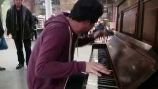 Piano & Beat boxing VERY COOL in King's Cross St Pancras - busking in the streets of London, UK