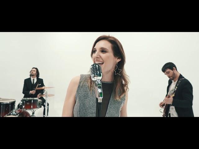 """VIDEOCLIP de la canción """"AMANTES"""" de su último disco RESILIENCIA, con la colaboración de CONCHITA, realizado por LUIS AHIJADO."""