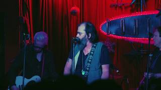 Steve Earle & The Dukes - So You Wannabe An Outlaw [Official Music Video]