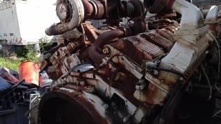 Motores Máquinas pesadas   Ferro velho   16 cilindros e 4 turbos