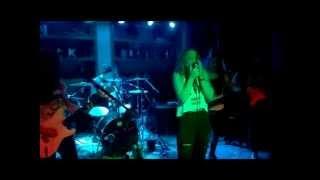 Banda Undercover - Chandelier (Sia cover)