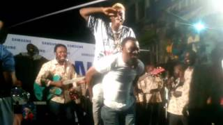 Pasuma endorses Irapada, performs it with junior boy live on stage