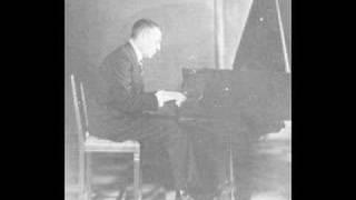 Rachmaninoff plays Debussy Golliwogg's Cakewalk